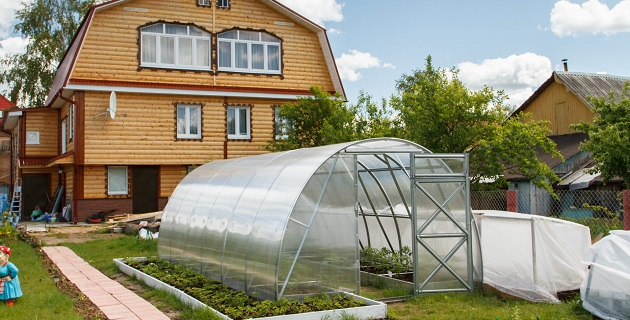 Szklarnia z poliwęglanu 3x6 - najlepsza opcja do ogrodu!